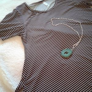 💖PINK AND BLACK STRIPED PERFECT T